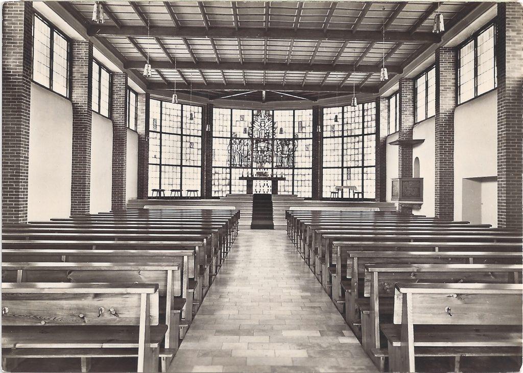 Ansichtskarte Heilig-Kreuz-Kirche Innenaufnahme