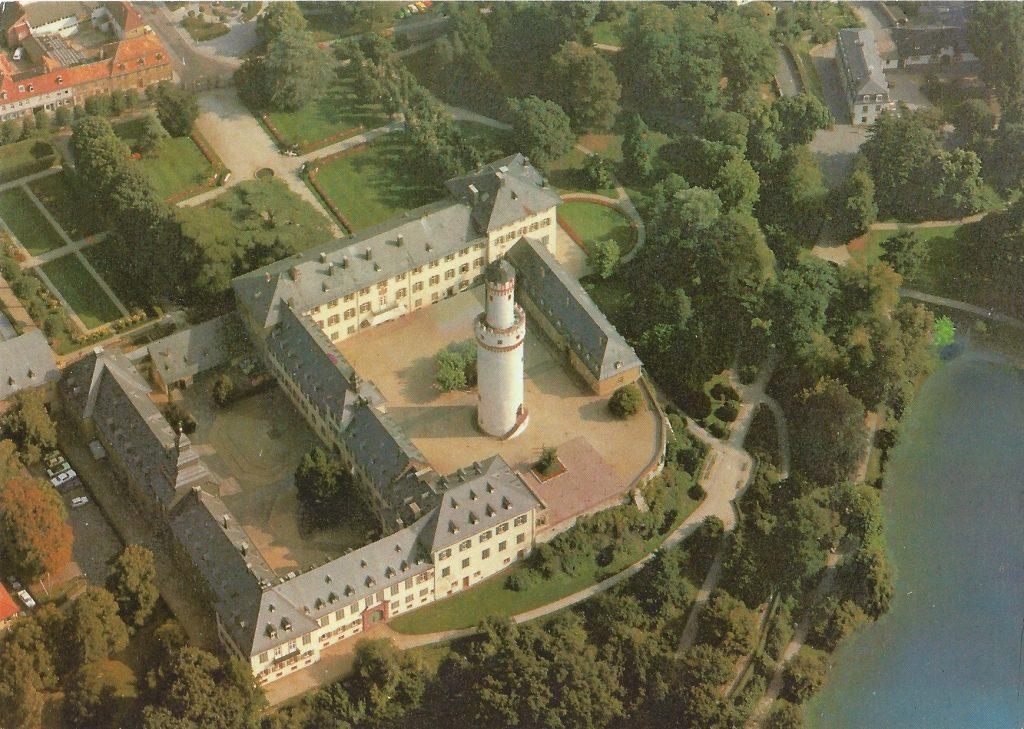 Moderne Luftaufnahme des Homburger Schlosses